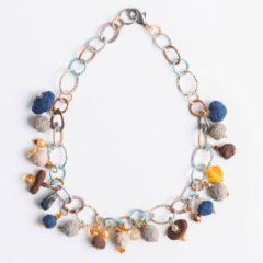 collana-cartapesta-marrone-blu-neutro